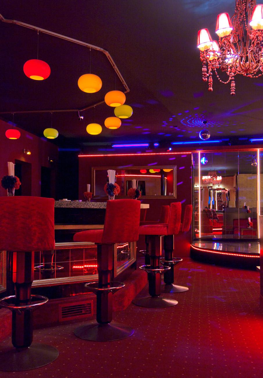 2011 cabaret pigalle m nchen behir interior design. Black Bedroom Furniture Sets. Home Design Ideas